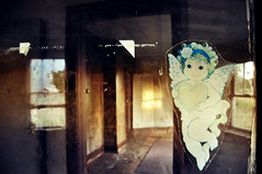 angelsticker (yyellowbird) Tags: ohio house abandoned window glass angel sticker