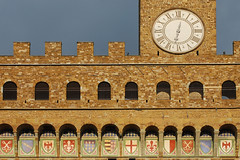Florence Town Hall detail (Thomas Roland) Tags: old italien italy architecture square town hall florence italia palace tuscany firenze toscana romanesque palazzo vecchio gammel palads rdhus romansk