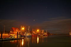 night time in the habour (Joko-Facile) Tags: sea sky clouds germany deutschland meer nightshot himmel wolken hdr nachtaufnahme shrimpboat earthnight krabbenkutter butjadingen fedderwardersiel