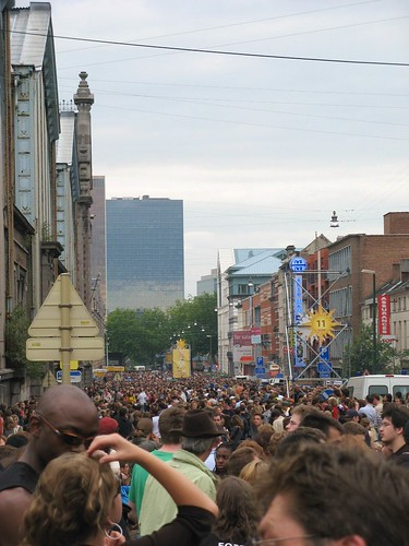 Evacuated crowd from 'Couleur Café'