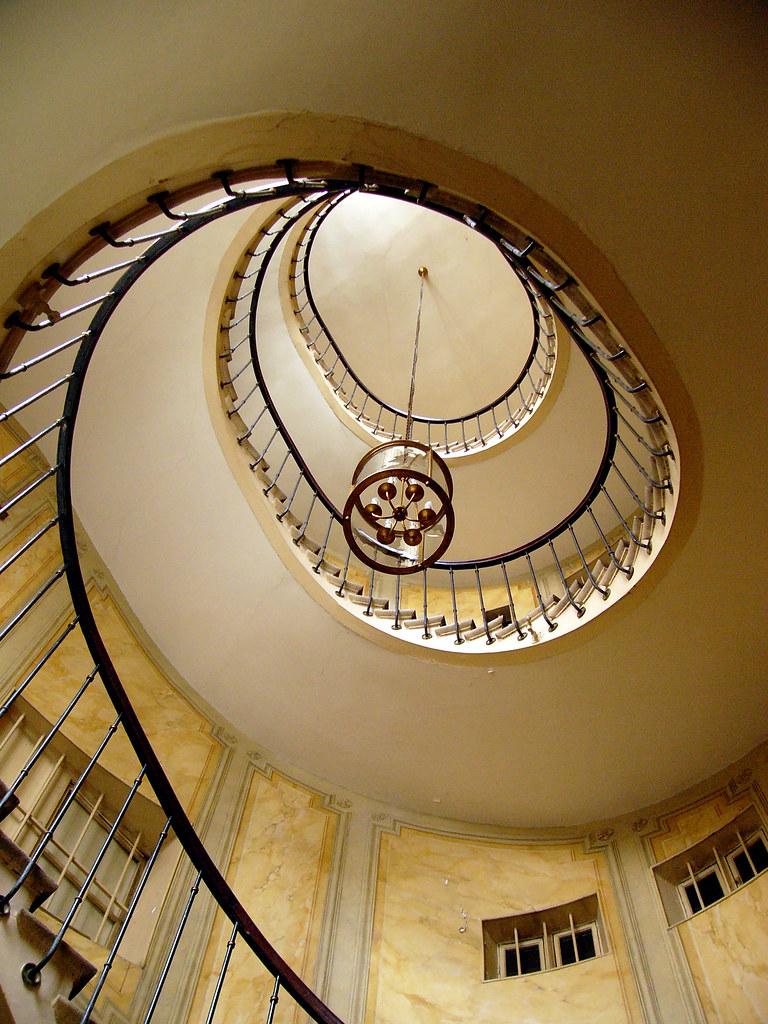 Galerie Vivienne stairway
