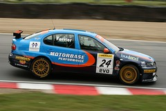 Tom Ferrier, Motorbase Performance, SEAT Toledo Cupra, BTCC (kbyrne01) Tags: uk cars tom seat performance racing toledo formula hatch motorsports motorracing brands motorsport btcc dunlop brandshatch druids cupra ferrier motorbase tomferrier buyland