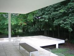 Farnsworth House, Mies van der Rohe, 1951 - by Atelier FLIR