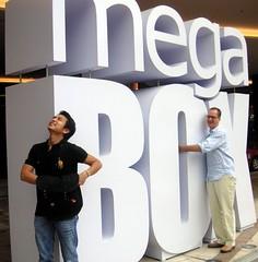 Mega Box (Gregg Schroeder) Tags: hongkong kowloonbay megabox