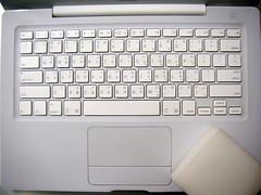 光亮如新的鍵盤