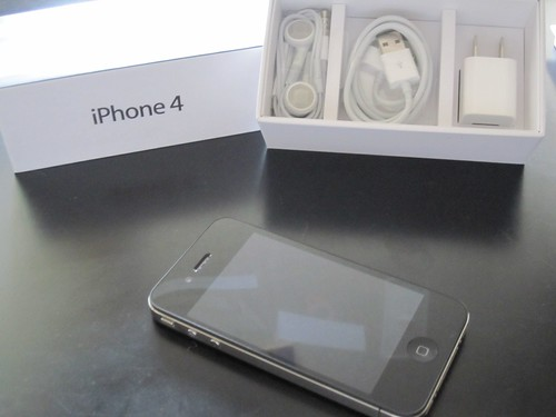 Apple iPhone 4 Unboxed (2)