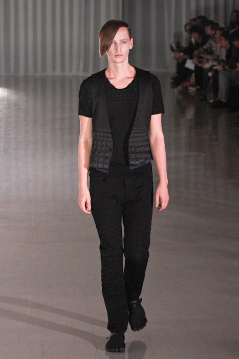 SS11_Tokyo_MOLFIC001_Rutger Derksen(Fashionsnap)