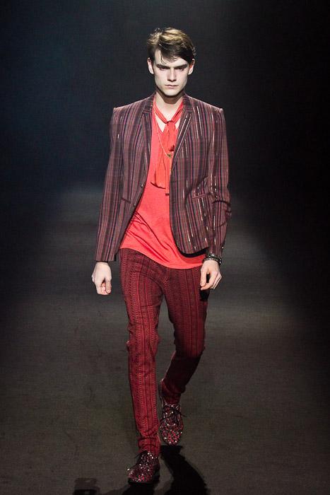 Douglas Neitzke3252_SS11_Tokyo_Lad Musician(Fashionsnap)