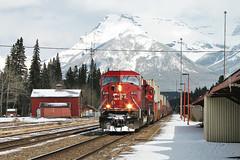 Altes Bild aus dem Jahr 2007: CP 9149 in Banff (kilux) Tags: canada train pacific canadian stack container banff cp bild aus dem jahr 2007 altes 9149 sd90mac43