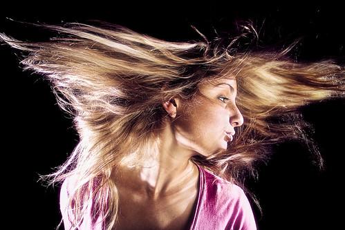 [フリー画像] 人物, 女性, 髪がなびく, スタジオ, 201006270900