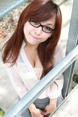 [フリー画像] 人物, 女性, アジア女性, 眼鏡・メガネ, 201105020900