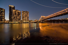 Riverside, The Bridge and the helicopters (HelenPalsson) Tags: bridge brisbane story 12mm helicopters sigma1224mm riverfestival kangaroopoint riverfire 20070901 captainburkepark