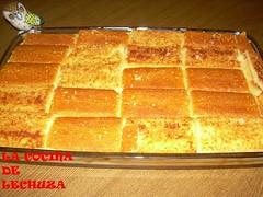 Tarta cuajada y queso cubierta