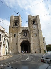 Igreja de Santa Maria Maior (switchhook) Tags: vacation honeymoon lisbon sep8