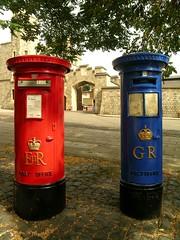 Windsor - Post Office (Nespyxel) Tags: uk england postoffice windsor bucadellelettere regnounito inghilterra nespyxel stefanoscarselli pleasedontusethisimageonwebsites blogsorothermediawithoutmyexplicitpermissionallrightsreserved