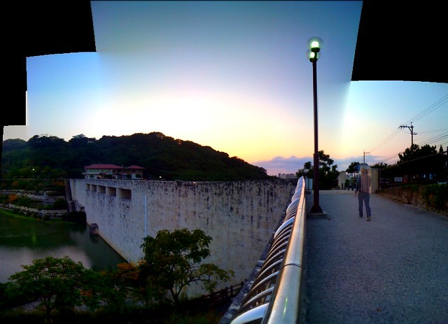 金城ダムの夕暮れ(iPhoneパノラマ)