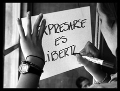 Expresarse es libertad 2 (ervega) Tags: students libertad freedom university venezuela caracas ucv colleges speech protests ucab universidades studentmovement expresion protestas movimientoestudiantil movimientoestudiantilvenezolano venezuelanstudentmovement