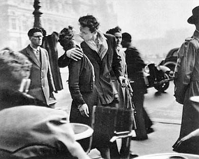 """""""El beso del Hotel de Ville"""" de Robert Doisneau par Laura, Izaskun, Elena, Vanessa"""