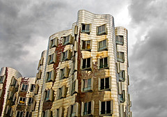 """frank gehry : düsseldorf • <a style=""""font-size:0.8em;"""" href=""""http://www.flickr.com/photos/75475694@N00/741225714/"""" target=""""_blank"""">View on Flickr</a>"""