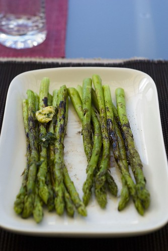 Grilled asparagus. Two ways