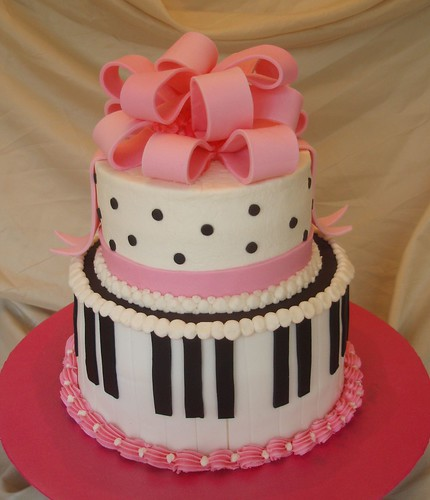 piano recital cake