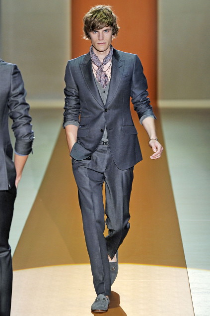 Anthon Wellsjo3035_SS11_Milan_Gucci(first VIEW)