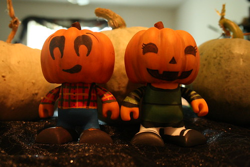 Wee Pumpkin Couple
