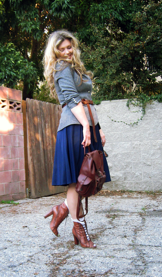 vintage gray wool blazer+vintage pleated long a-ling skirt+vintage leather backpack+ruffle socks+big hair, skirts with pleats, pleated skirts, boots and socks, long belt,