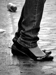 She told me her name was Billie Jean (NyYankee) Tags: vanessa bw feet shoes michaeljackson thriller billiejean eoshe particolarmente mcb1413