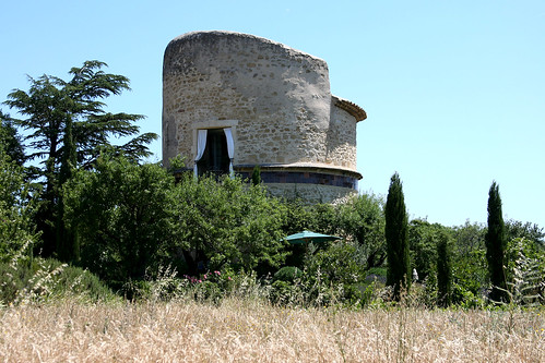 Round house in Provence