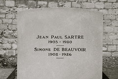 sartre & beauvoir (angie.star) Tags: paris france europe cemetary tombstone philosophy montparnasse satre beauvoir jeanpaulsartre simonedebeauvoir cimetiére cimetiéremontparnasse