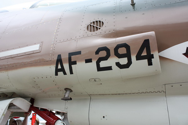 EAA10_F-4E_77