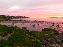 11pm Sunset (PuffinArt) Tags: longexposure pink sunset water colors grass norway gua cores rocks rosa panasonic prdosol noruega puffinart hdr fz30 bracketed malvik vandamalvig anawesomeshot pdpnw brpbesthdr2007