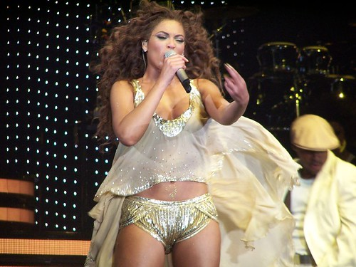 Beyoncé Experience Tour 020607 in The other wear