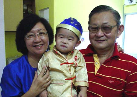 Ryan with grandparents - Feb 07