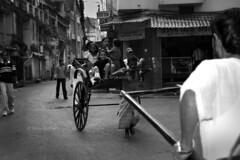 DSC_0399 (Tanja on flikr) Tags: 2005 bw india children rickshaw kolkata puller westbengal black38white
