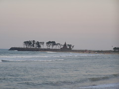 distant view of shore temple mamalapuram (pallav moitra) Tags: beach temple tamil nadu kanchipuram mamalapuram