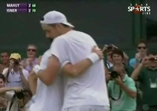 取得賽末點的擁抱