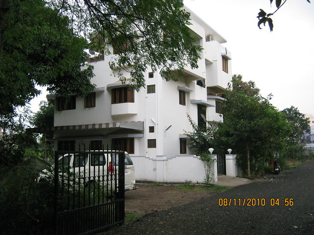Pinnacle Cottage Close at 'Abhiruchi Village' on Sinhagad Road Pune 411 041 - next door neighbors!