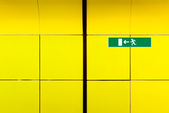 Go left! (manganite) Tags: signs green texture topf25 colors yellow wall digital buildings germany underground subway geotagged interestingness google topf50 nikon colorful europe bonn pattern metro tl explore getty symmetric onecolor d200 exit subwaystation minimalism nikkor dslr emergency gettyimages 50mmf18 march31 northrhinewestphalia interestingness34 i500 thecoloryellow utatafeature manganite nikonstunninggallery 25faves ipernity challengeyou challengeyouwinner anawesomeshot colorphotoaward top20yellow march312007 date:year=2007 geo:lat=50716546 geo:lon=7120471 date:month=march