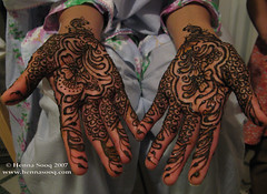 Afeefah bridal mehndi bottom hands