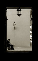 Firenze #1 (e n i k ) Tags: blackandwhite canon florence firenze toned biancoenero 2007 stfrancisofassisi palazzopitti impossibility sanfrancescodassisi 123bw hommageadoisneau