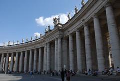 聖彼得廣場旁的圓柱廊(Piazza S. Pietro)
