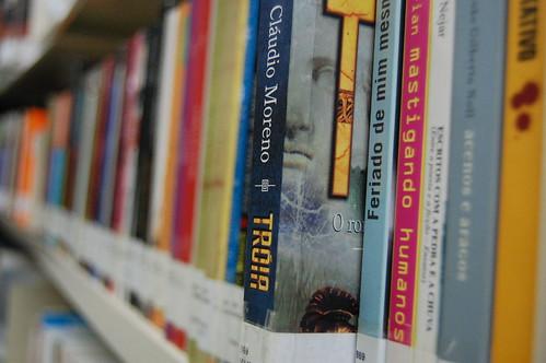 Biblioteca Livros Sobre Trilhos - Trensurb, RS