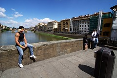. (Gwenaël Piaser) Tags: street italy june canon eos florence italia angle wide wideangle ponte tokina firenze canoneos 1000 italie 116 pontevecchio 2010 vecchio atx 50d eos50d canoneos50d 1116mm unlimitedphotos tokina1116mmf28 tokinaaf1116mmf28 atx116prodx gwenflickr