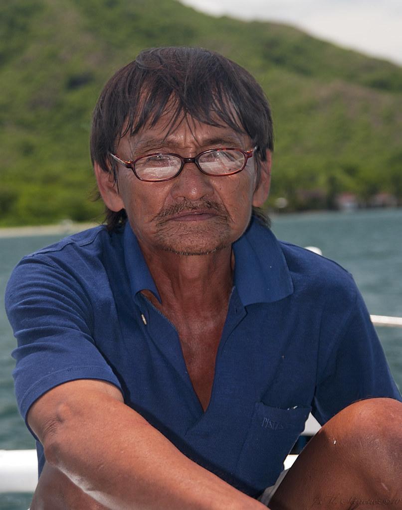 Paco, el barquero.