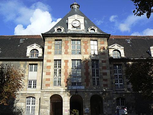 façade de Saint-Louis.jpg
