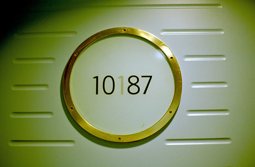 10187