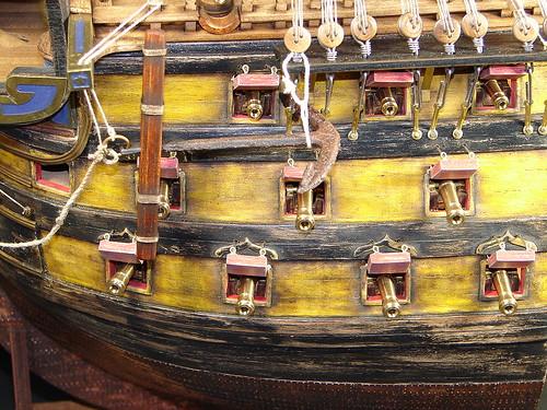 剖面雙夾板帆船