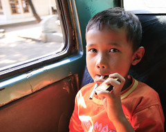 Light it up (Behind.Blue.Eyes) Tags: trip travel summer children indonesia island volcano java kid asia southeastasia hiking cigarette smoke cancer documentary kinder hike smoking smoker tabak sigaret raucher tabacco zigarette fumo rauchen fumare kippe nikotin lungenkrebs tutun smokingkids fumeaza kinderrauchen